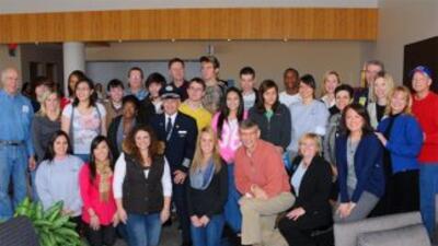 Pacientes de Texas Scottish Rite Hospital en el Admirals Club de America...