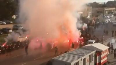 Ultras del Ajaccio atacan autobús del equipo rival con bengalas