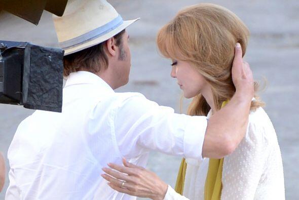 La actriz apareció con el cabello ¡rubio! Mírala c&o...