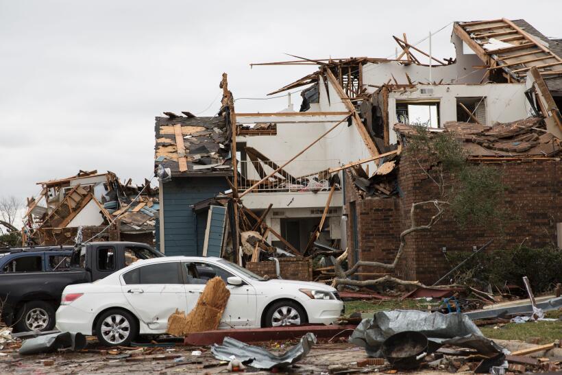 Una serie de tornados azotaron en diciembre de 2015 el área de Te...