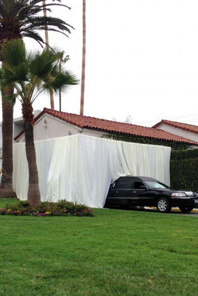 Incluso, se dispuso de largas cortinas en el acceso para que nadie viera...