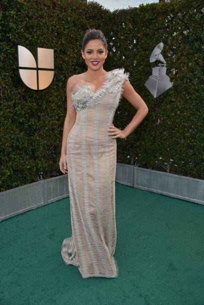 En 2012 Pamela lució un elegante traje.