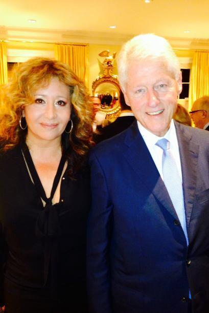 Aquí podemos ver a Maldonado con el ex presidente Bill Clinton.