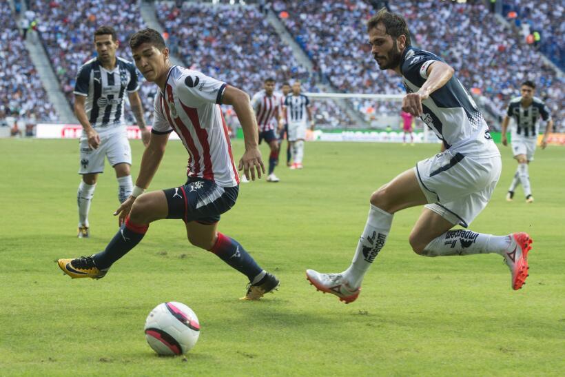 Monterrey aplastó al campeón Chivas y es líder general 20170812_3594.jpg