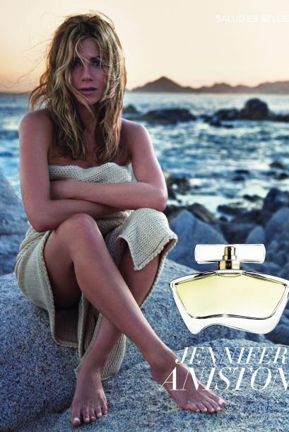 32.- Puedes oler como ella, tiene su propio perfume llamado 'Jennifer An...