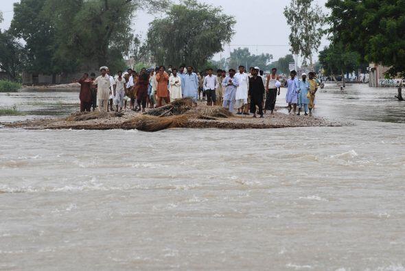 Pero el gobierno paquistaní estima que más de 13 millones...