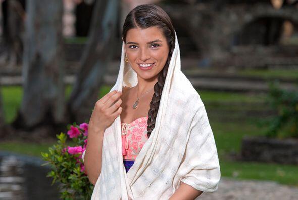 """Ella encarna a """"Ana Perla"""", una muchacha hermosa y comprometida con la e..."""