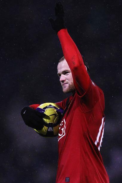 El Manchester ganó 4-1 y Rooney se llevó el balón a casa.