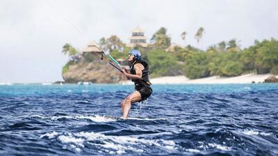 Así surfea Obama en la paradisíaca isla privada del dueño de Virgin