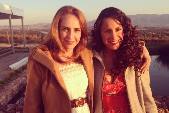 Las dos bellezas que comenzarán la telenovela, Irán Castillo y Alejandra...