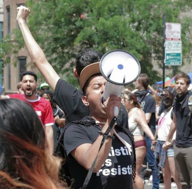 Guzman comenzó su activismo a los 20 años buscando mejoras laborales par...