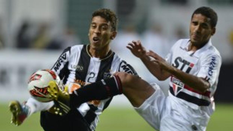 En un partido con aroma a Libertadores, el Sao Paulo consiguió igualar l...