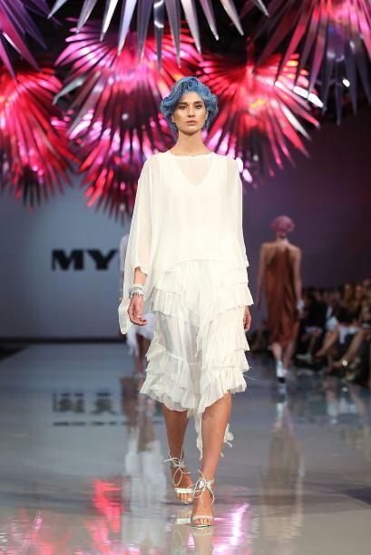El color blanco también es uno de los must que la diseñadora eligió para...