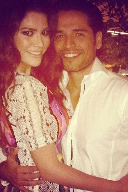 El jueves en la noche Ana y Luis se pusieron muy guapos. ¡Llegó la hora...