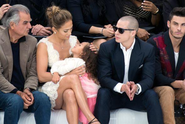 ¿Por qué le dan un premio a Jennifer López? ¿Por ser una mamá ejemplar?...