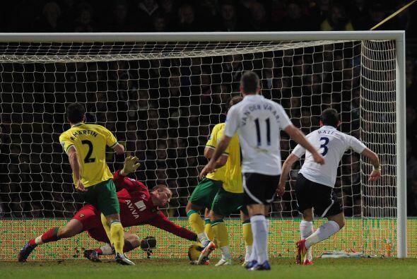 Después de muchas ocasiones que fueron evitadas, el Tottenham puso el pr...