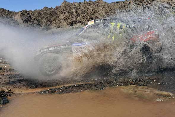 En la etapa 11 los pilotos se encontraron con agua en el trayecto por pr...