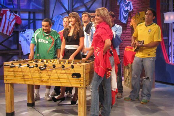 Y quienes también bailaron junto con el grupo mexicano fueron los fanáti...