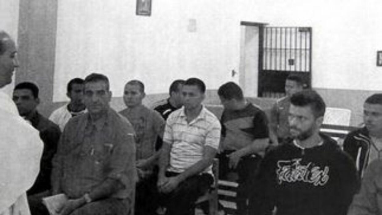 El opositor Leopoldo López fue captado tomando misa en la capilla del pe...