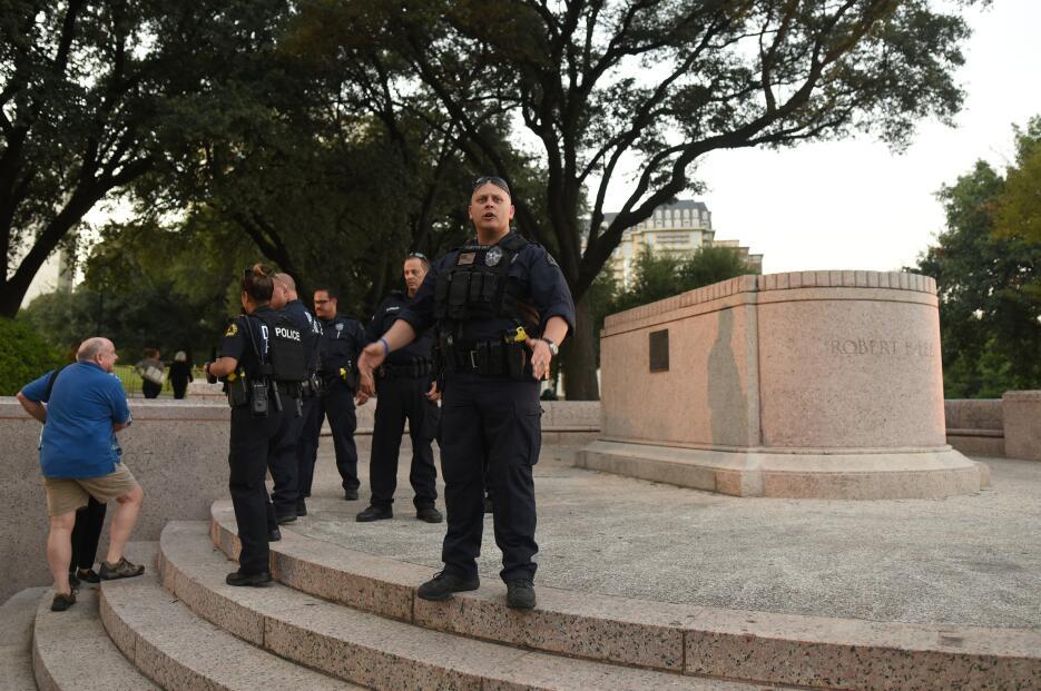 Así fue la retirada de la estatua del general Robert E. Lee en Dallas 20...