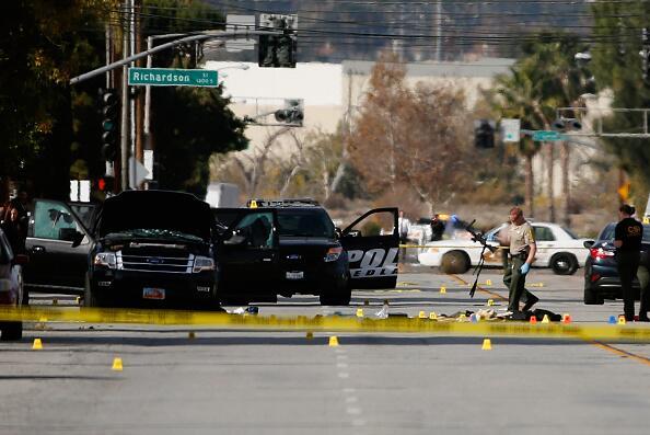 Imágenes del tiroteo que dejó 14 fallecidos y 21 heridos en el sur de Ca...