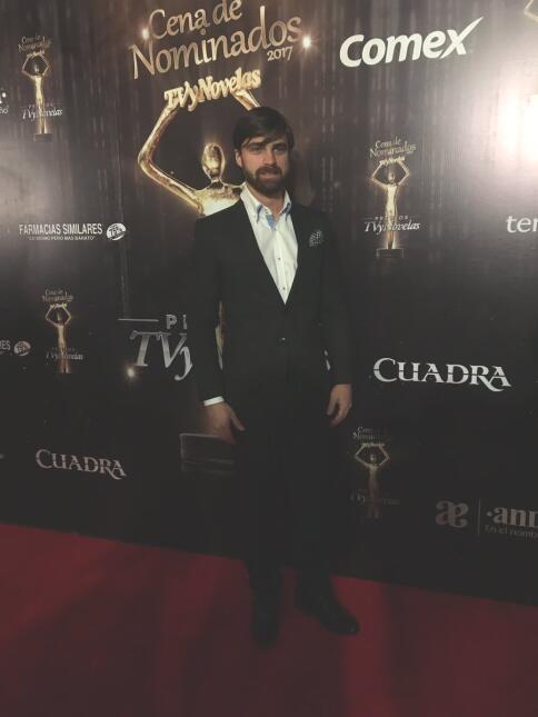 Los famosos asisten a la cena de nominados de Premios TVyNovelas