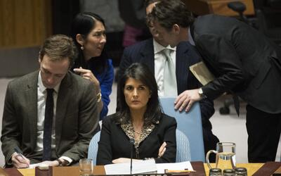 La embajadora de Estados Unidos ante la ONU, Nikki Haley, en la sesi&oac...