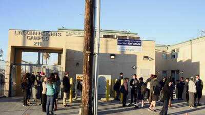 Fotos: Así se vivió emergencia en escuelas de Los Ángeles