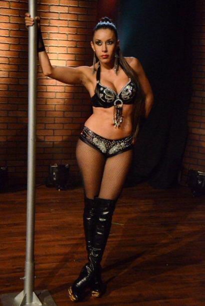 La sexy Martika mostró algunos de sus mejores movimientos.