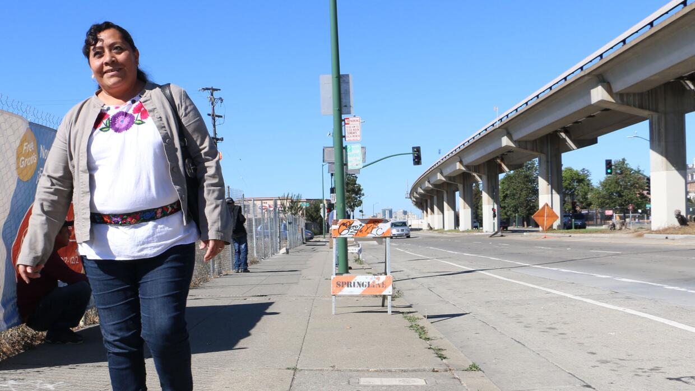 López, trabajadora doméstica y activista, en Oakland
