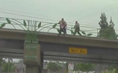 Dos agentes del alguacil evitaron que una mujer se suicidara en Pico Rivera
