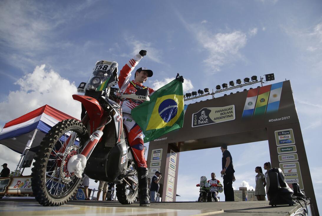 Así fue el comienzo del Rally Dakar en Paraguay AP_17002020055194.jpg