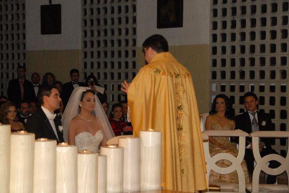 Los ahora esposos estudiaron  juntos en la Universidad de San Antonio, T...