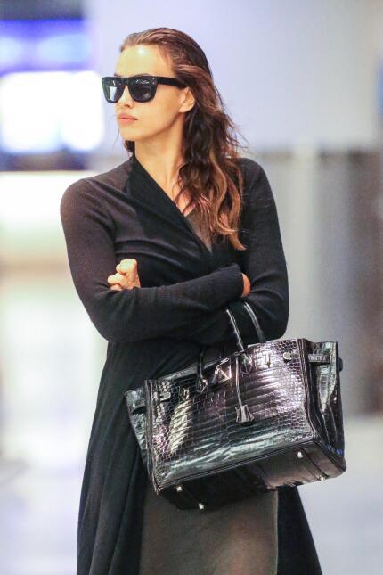 Bradley Cooper e Irina Shayk llegando a Nueva York.