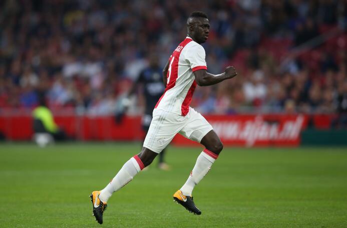 Otro colombiano involucrado en rumores es Dávinson Sánchez, del Ajax. Me...