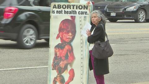 Manifestación en contra del aborto y del uso de fondos públicos para ese...