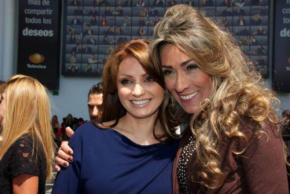 Angélica Rivera visitó las instalaciones de Televisa San Ángel y fue aco...