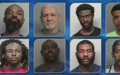 Un total de 17 personas fueron arrestadas por presunta expedición de dro...