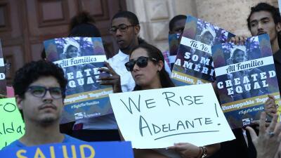 Activistas reciben decisión de la Corte Suprema sobre la Acción Ejecutiva