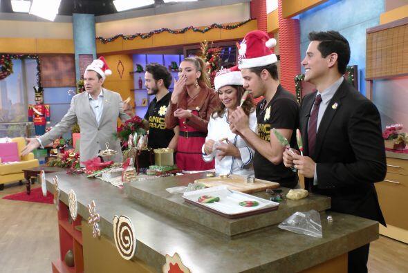 El actor y director mexicano nos acompañó en la cocina don...