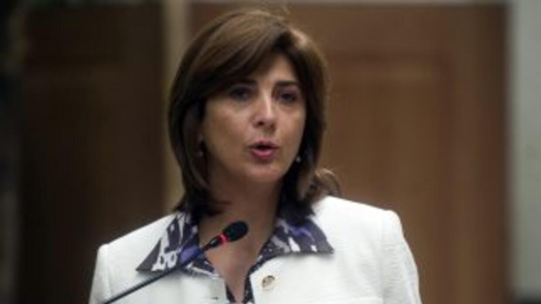 María Ángela Holguín.