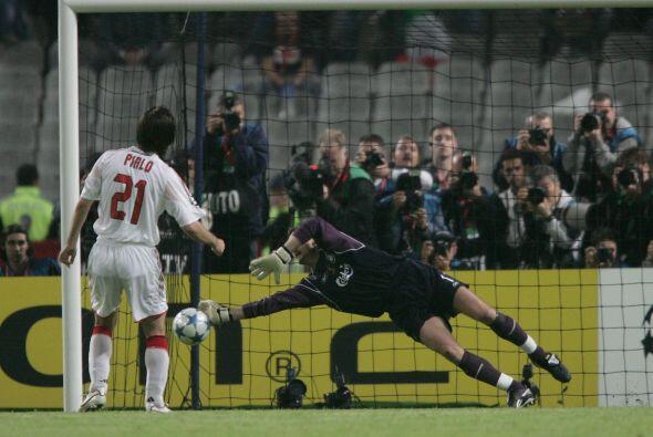 Jerzy Dudek: Si de porteros hablamos, en el 2005 el Liverpool una inespe...