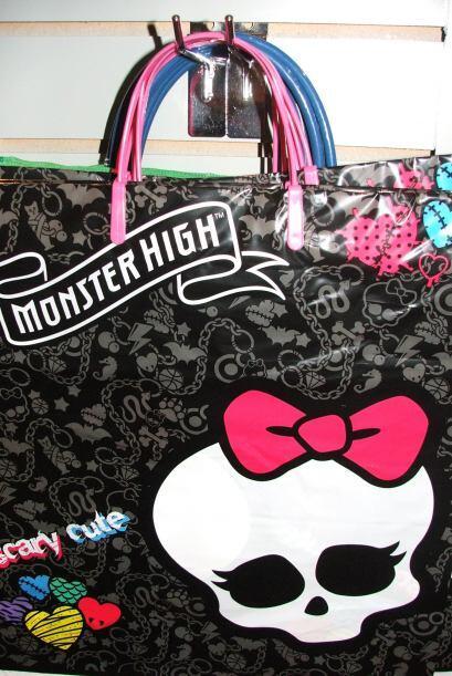 También puedes comprar esta bolsita de Hello Kitty, cuya única diferenci...
