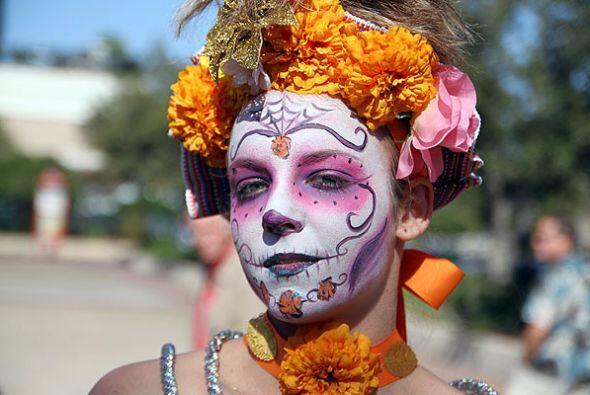 Las catrinas invadieron San Antonio con motivo del Día de los Muertos, y...