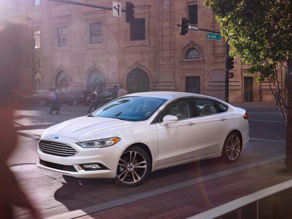 General Motors Venezolana cierra sus operaciones Ford-Fusion-wins-2017-M...