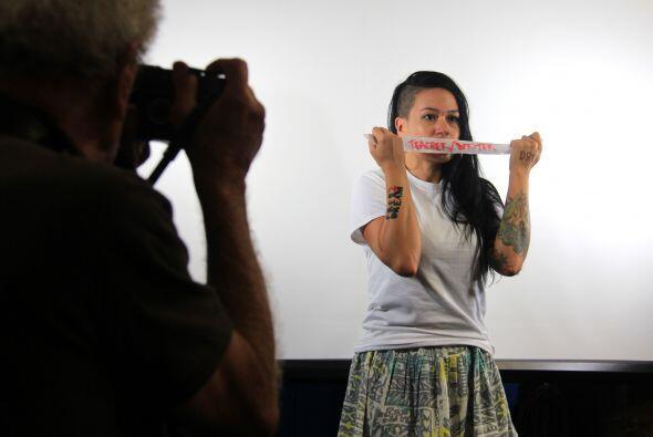 La Profesora Valenzuela enseña literatura y tiene deseos de dar un curso...