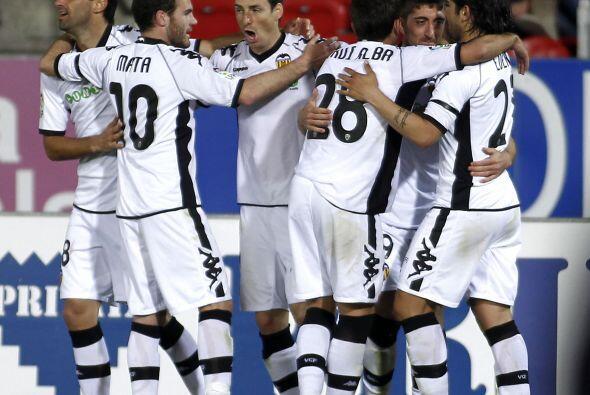 Valencia sigue tercero detras del Real Madrid.
