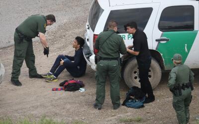 Arrestos de la Patrulla Fronteriza cerca de McAllen, Texas, en marzo de...