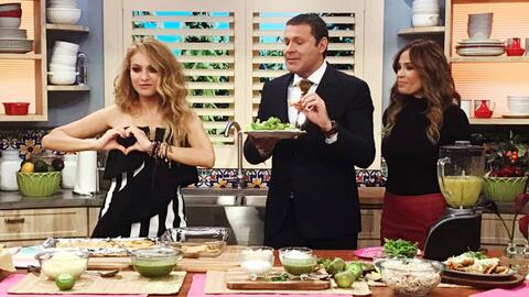 Paulina Rubio le cocinó una ensalada de chilaquiles a su más grande fan...