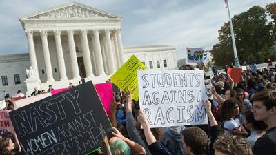 Paul Ryan fue reelegido presidente de la Cámara de Representantes de EEUU mientras estudiantes protestaban en Washington contra Trump